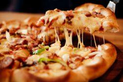 historia pizzy, czyli skąd pochodzi najsłynniejszy placek